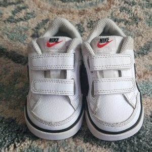 Nike toddler shoes size 4